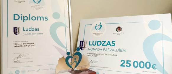 """Konkursā """"Ģimenei draudzīga pašvaldība"""" laureāta titulu  2020. gadā iegūst Ludzas novada pašvaldība"""
